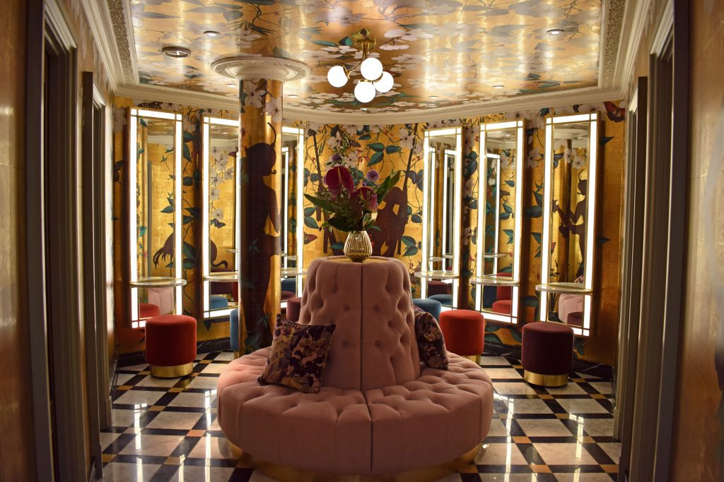 The beautiful bathroom at The Ivy!
